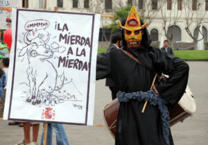 Anti-taurino protester in Lima, Nov.  <b>Tetracycline Uses</b>, 2, 2008; photo by Jorge Vera